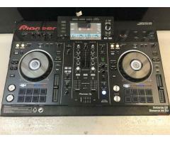 Pioneer DDJ SX3....€500 Pioneer CDJ-2000NXS2. 1000€ Pioneer DDJ-800...400€